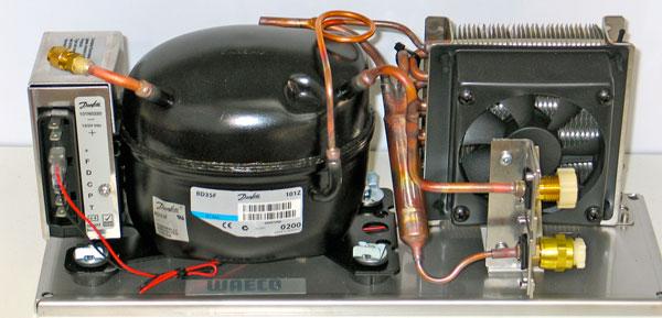 Máy nén, dàn ngưng Gas làm lạnh và ống dẫn chất làm lạnh