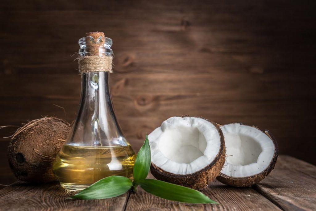 Dầu dừa là loại dầu dẫn không những phổ biến nhất ở Việt Nam mà còn trên toàn thế giới