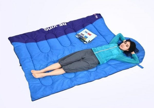 Các dòng túi ngủ văn phòng hiện nay đều được trang bị thêm lớp vải ngoài chống thấm nước kèm theo tính năng giữ nhiệt, giữ ấm cơ thể khá tốt