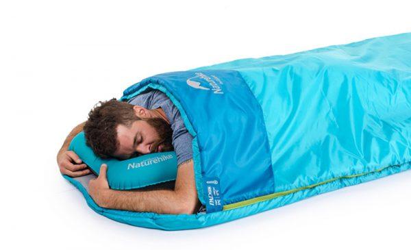 Với khí hậu nhiệt đới như ở nước ta, thì loại túi ngủ mùa hè thường rất ít người sử dụng