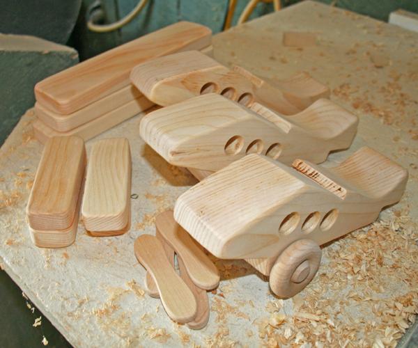 Đồ chơi lắp ráp được sản xuất bằng gỗ thông