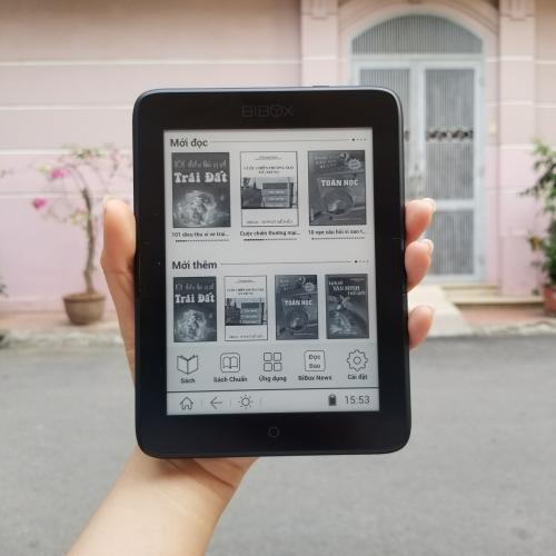 Đây là chiếc máy đọc sách thương hiệu Việt Nam, được phát triển và cho ra đời vào năm 2016