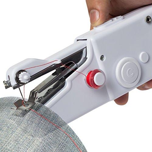 Ưu điểm lớn nhất và quan trọng nhất của máy may mini chính là độ nhỏ gọn và tiện dụng